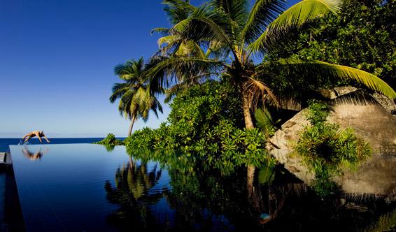 BT_Seychelles_Infinity pool