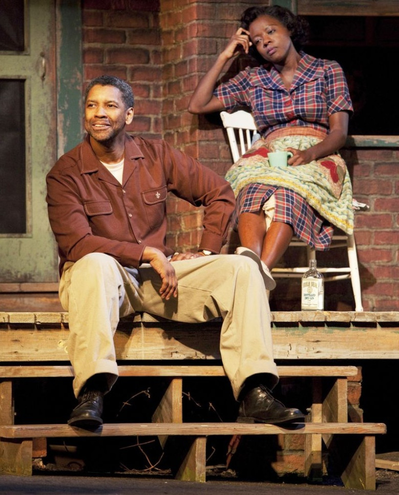 Fences: Denzel Washington stars and directs this period drama based on the Pulitzer Prize-winning play of the same name by August Wilson. The film promises a powerful story and incredible acting from Washington and his co-star Viola Davis, who both look likely to not only be nominated, but win in the Best Actor and Best Actress category respectively in next year's Oscars, so remember to check it out in theaters on Christmas Day.