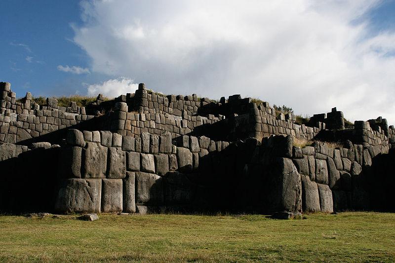 800px-sacsayhuaman_walls